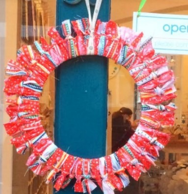 rag wreath 2.jpg