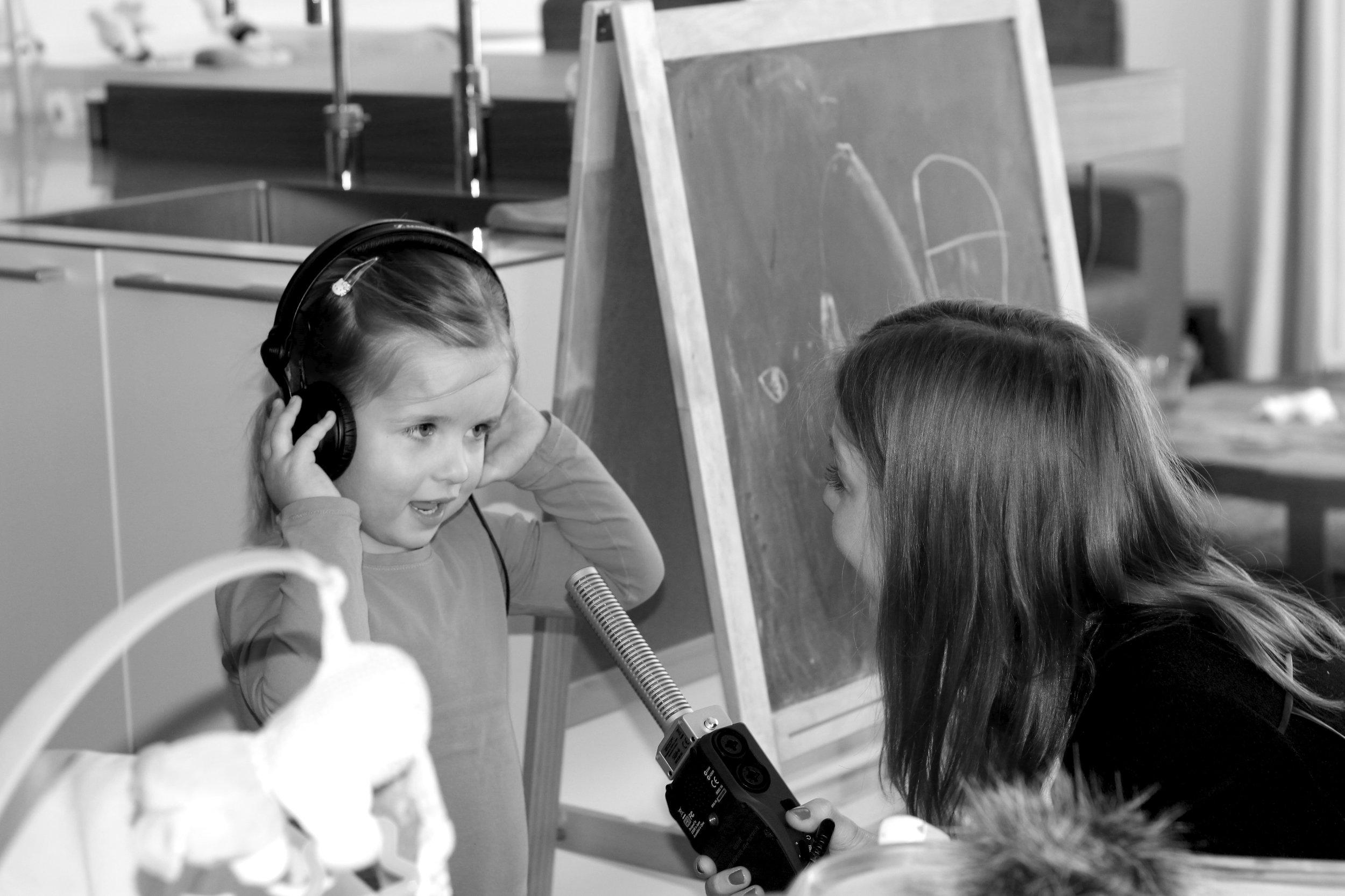 De stem van west, radio huisgeluid Elise 't Hart.jpg