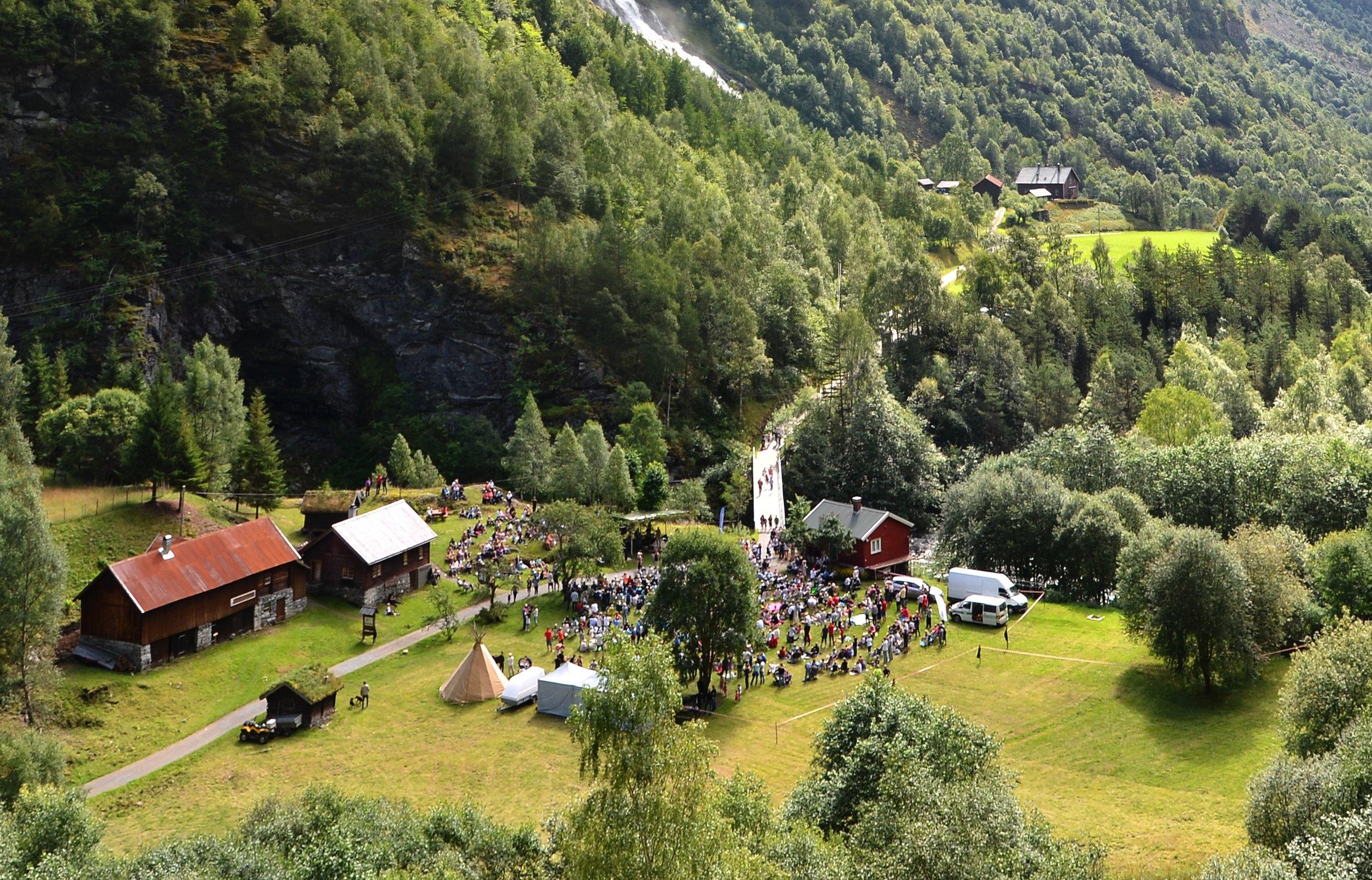 Velkommen til Skåri  - Hjelle, Utladalen - St. Hans - søndag 23. juni