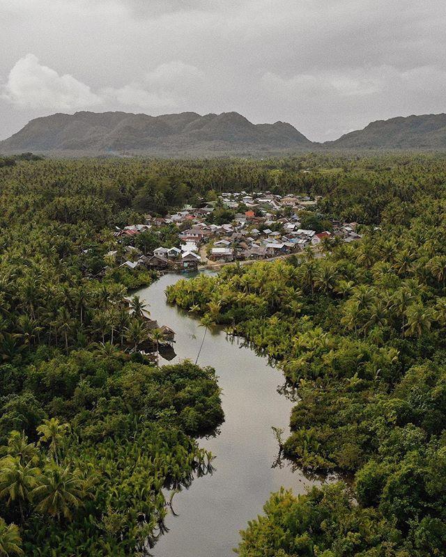Mangrove Village ♻️ #village #aerial #mavic2pro #djungle #mangrove #photography #travelphotography #landscape #harkmeinrich
