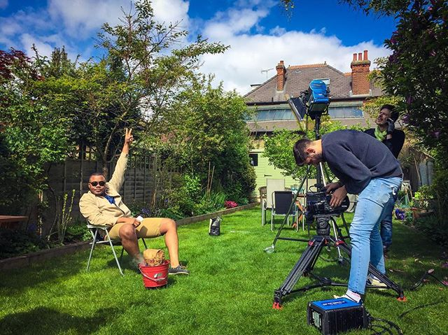 Bake off star Selasi invited us round for his 'bucket BBQ extravaganza' yesterday. It was everything Ryan dreamed it would be...🍗🍍🔥 - #bakeoff #gbbo #selasi #bbq #summer #garden #barbeque #filming #bts #camera #chicken #burger