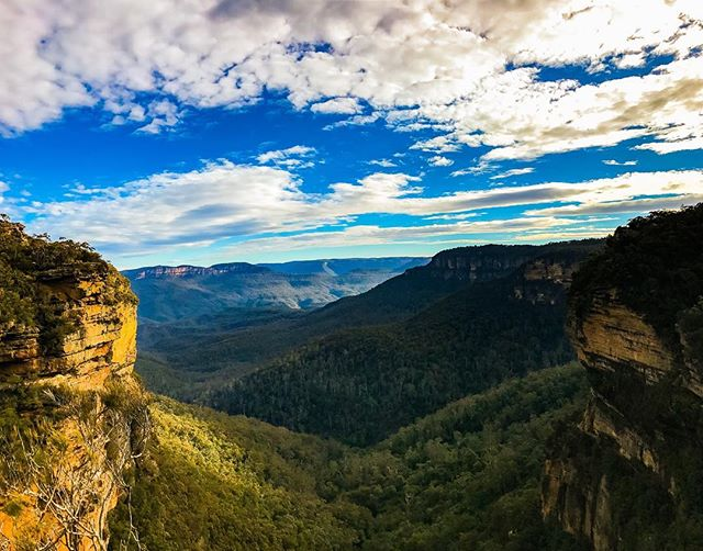 A fairly good #view . #sydney #bluemountains #film #filmmaking #setlife