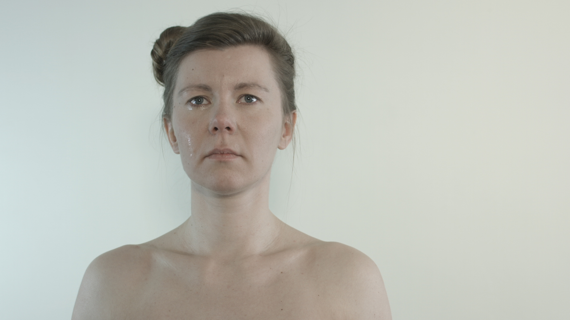 MEDEA is video installation portraying 4 girls living in Iceland coming from different East and Central Europe countries.
