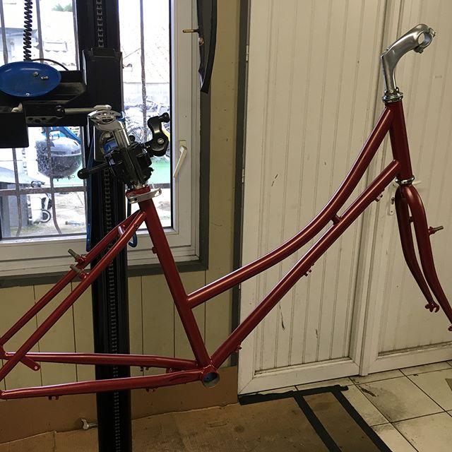 Lancement du montage personnalisé sur le vélo de ville Les accessoires ne sont pas encore défini