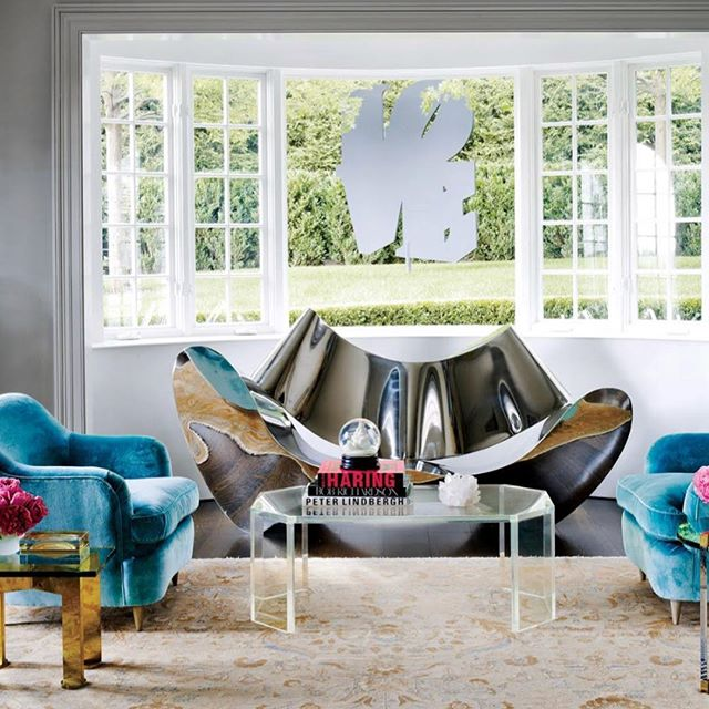 Love this beautifully detailed interior @foxnahem. Andy Warhol prints share the space with a Ron Arad sofa and Karl Springer Lucite cocktail table and a pair of Gio Ponti armchairs from @lobelmodern. #customfurnituredesign #foxnahem #karlspringerltd #midcenturystyle #midcenturymodern #interiordesign #designer #designer #interiordecorating #interiorinspo #design #hamptons #interiorinspirations #luxury #luxurylifestyle #lucitefurniture #designcrush #andywarhol #gioponti #art #artist #painting #painter #decor #livingroomdecor #homedecor #midcenturymoderndesign #customdesign #lobelmodern #karlspringer #ronarad