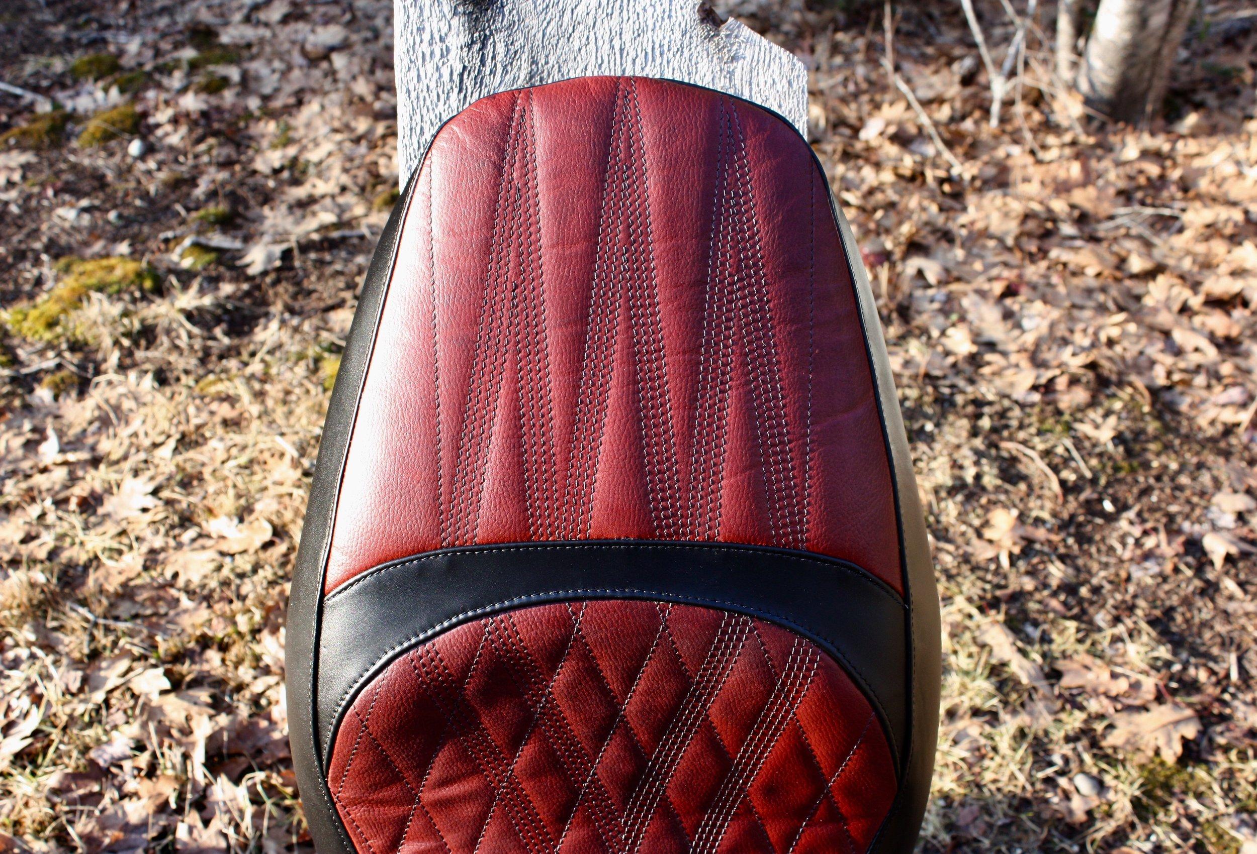 Moto Guzzi -- Maven Seats