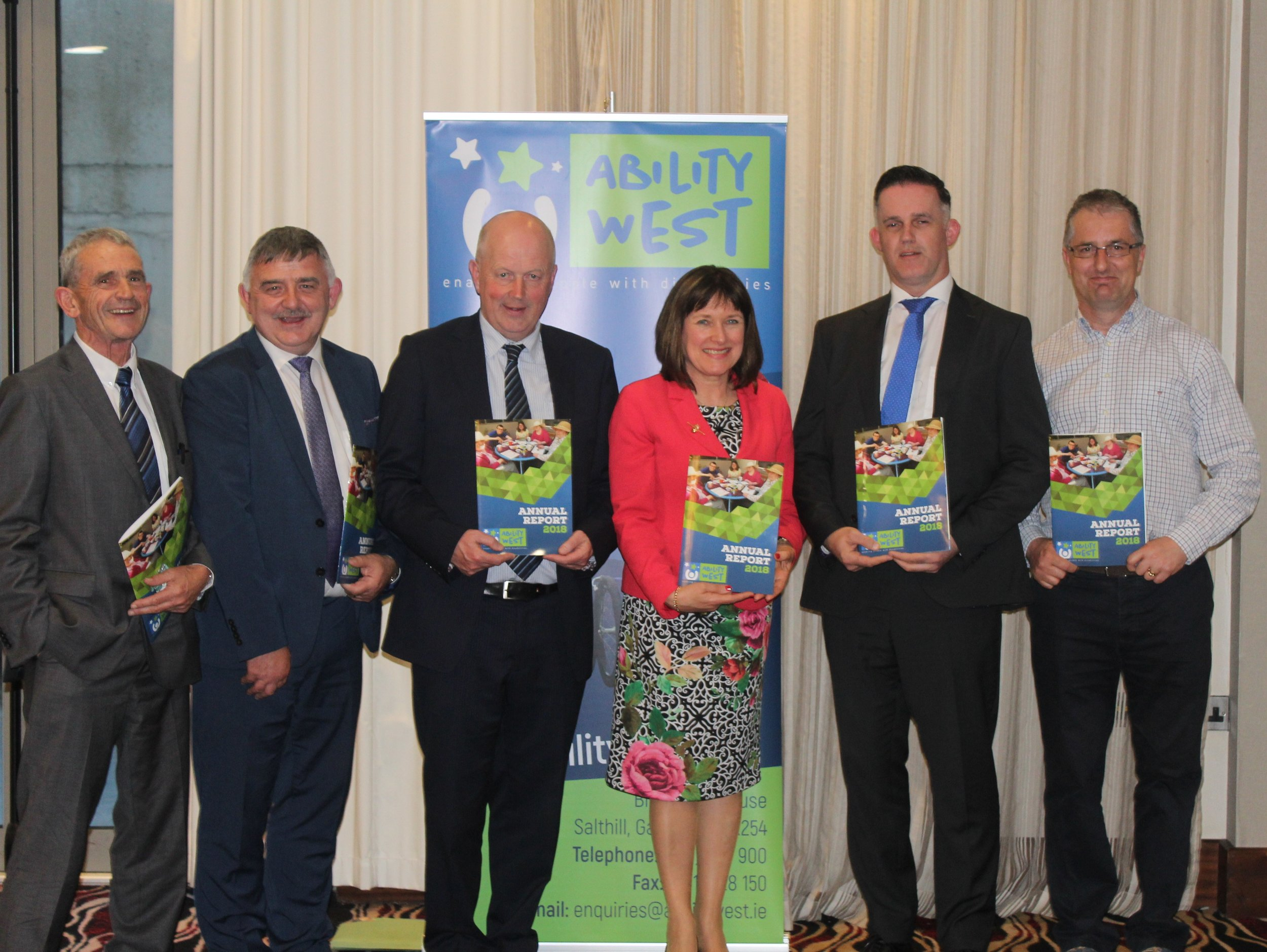 Paddy Daly, Company Secretary, John McHugo, Director of Finance, Ray Kelly, Chairman, Breda Crehan-Roche, CEO, Dermot Callanan, Partner, FCC Chartered Accountants and Registered Auditors, Gerry Burke, Finance, HSE CHO West