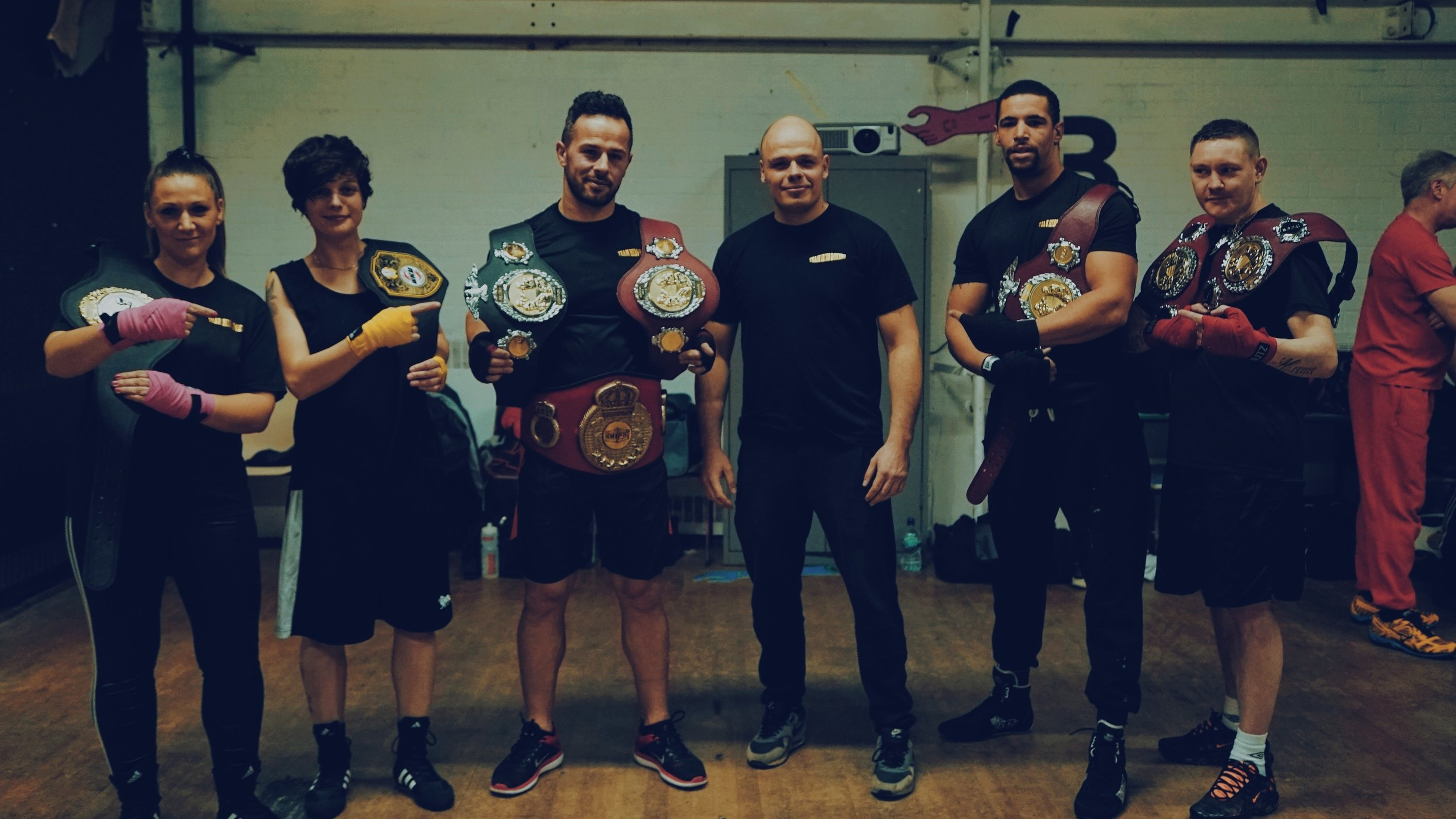 TRAIN WITH COMPETITOR BOXERS