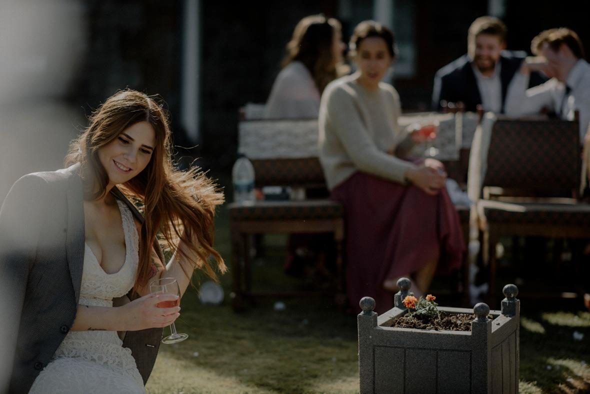 bride is flicking hair