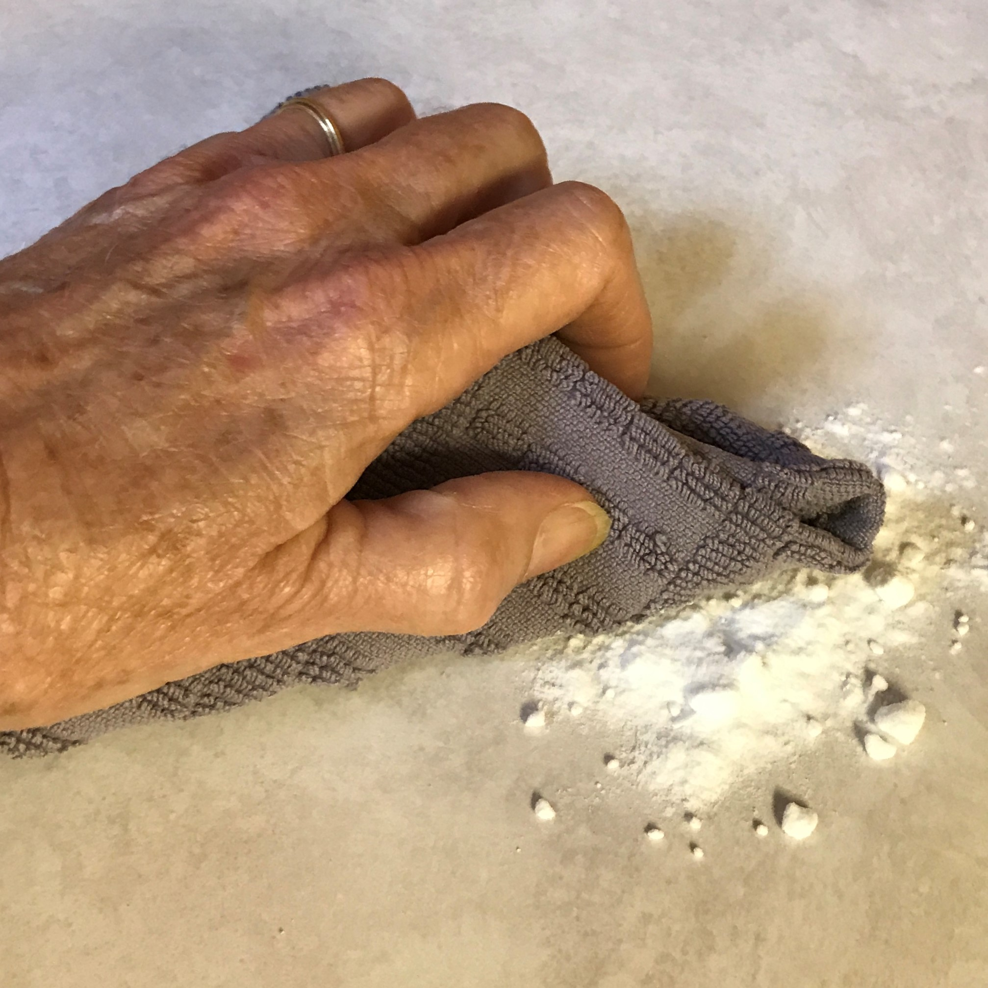 Clean Countertops with baking soda