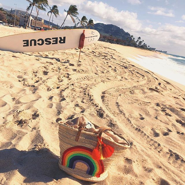 Wednesday escape from the city 🌈☀️🐳 @talahonolulu . . . #beachstyle #tropical #escape #aloha #wednesday #paradise #love #beach #rainbow #rainbowbag #beachbag #beachfashion #beachstyle #waikiki #honolulu #oahu #hawaii #style #boho #bohemian #chic #instagood #beachbabes #islandstyle #destination #talahonolulu
