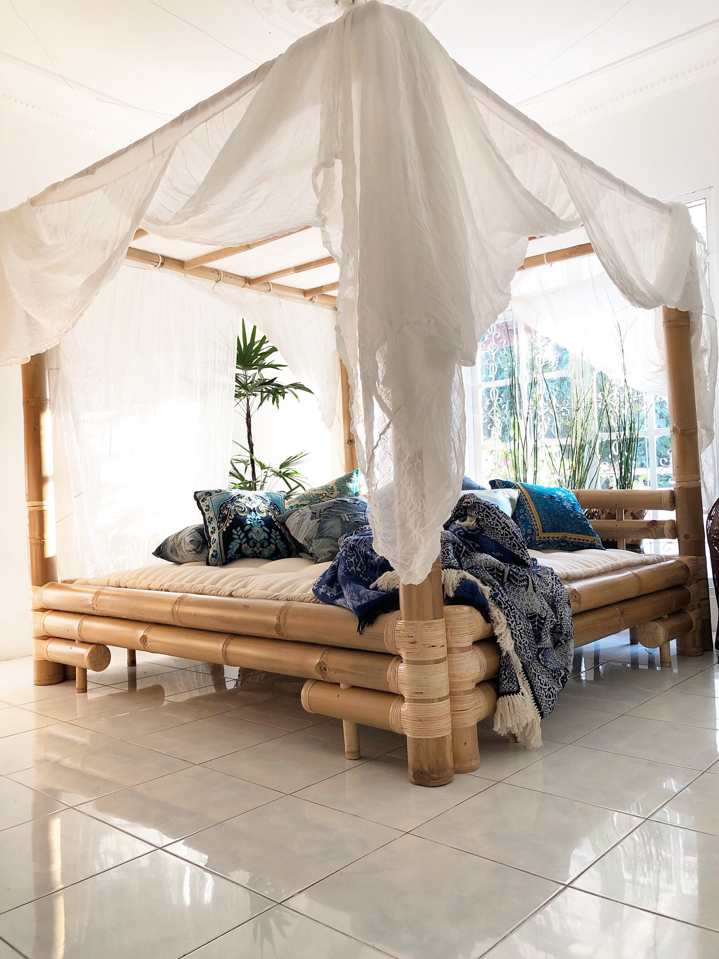 BEDS AND DAYBEDS - SIESTA TIME AND SWEET DREAMS