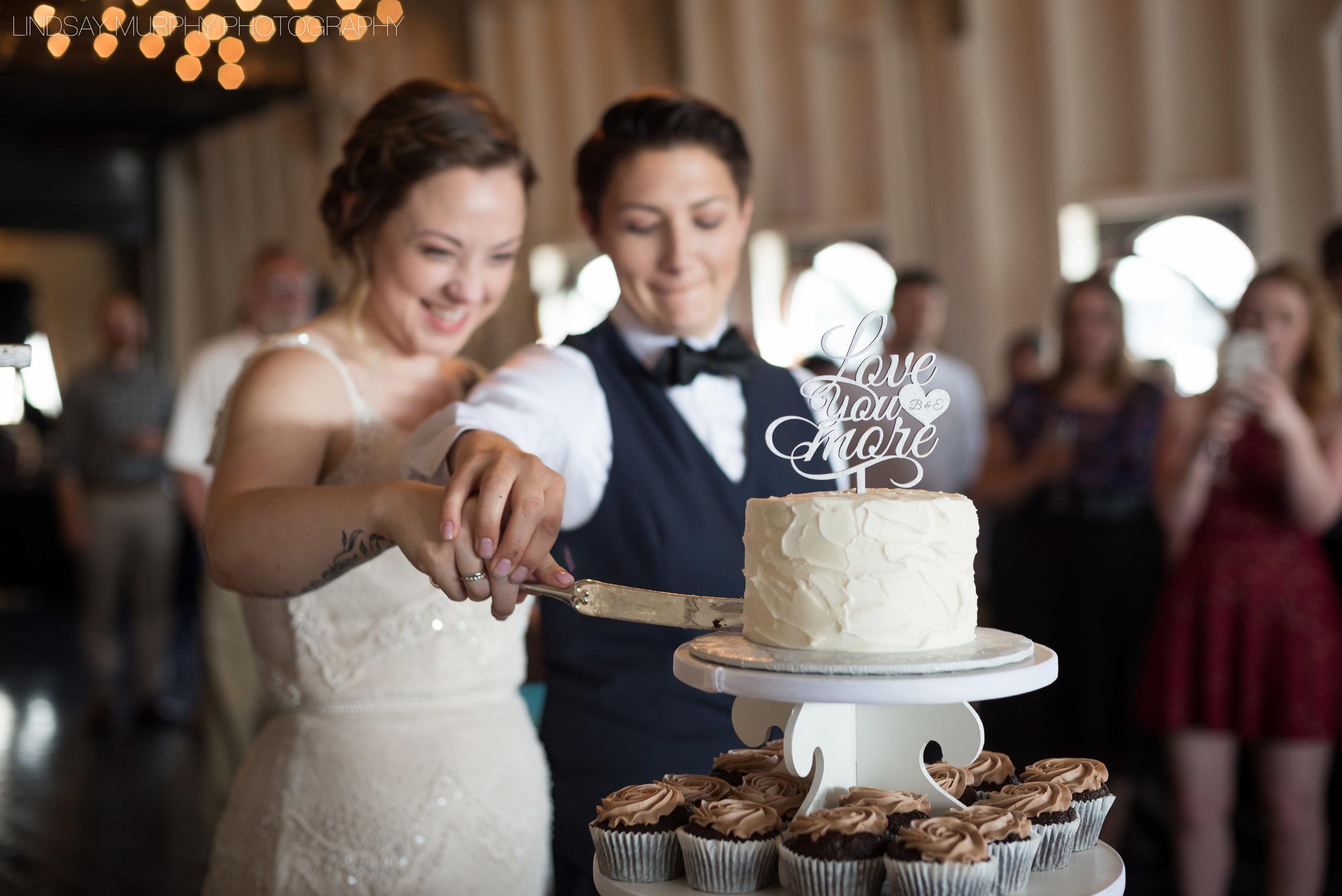 MV_Skansonia_Seattle_Wedding-42.jpg