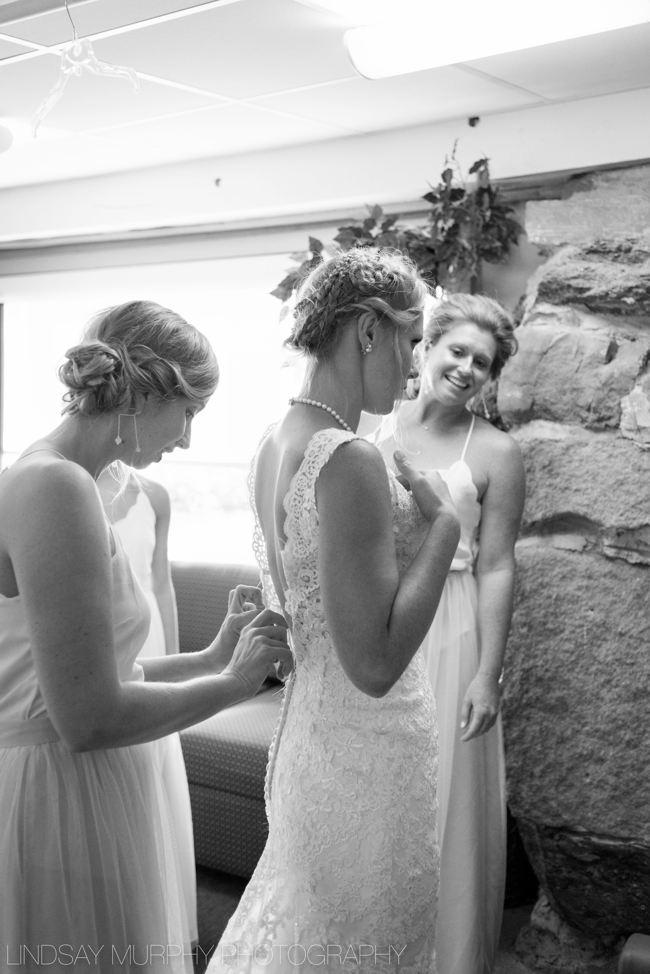 red_barn_hampshire_college_wedding-57.jpg
