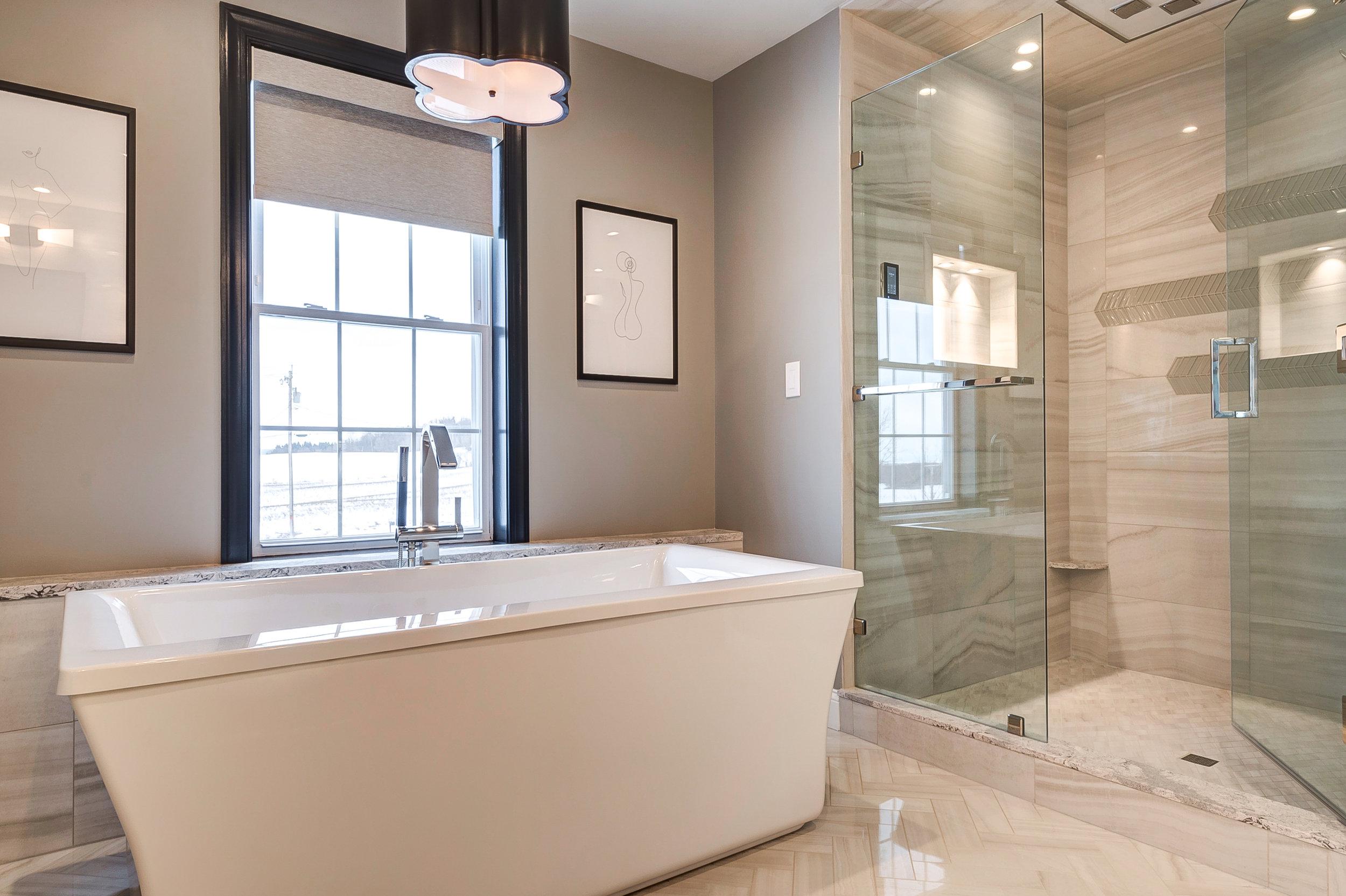 large tub open shower.jpg