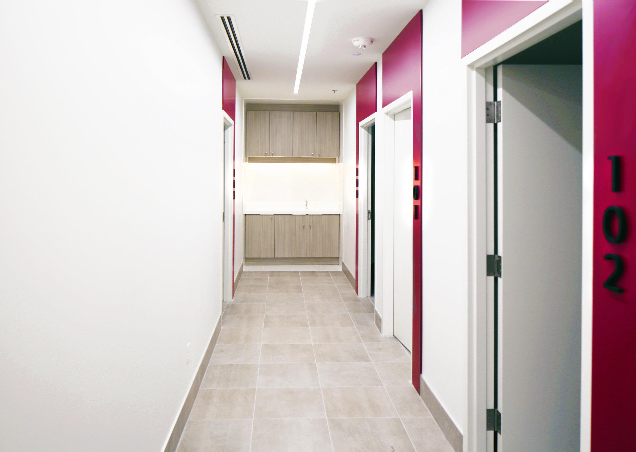 Canada_Toronto_Healthcare_Cardiology_Design_architect_nurse-station.jpg