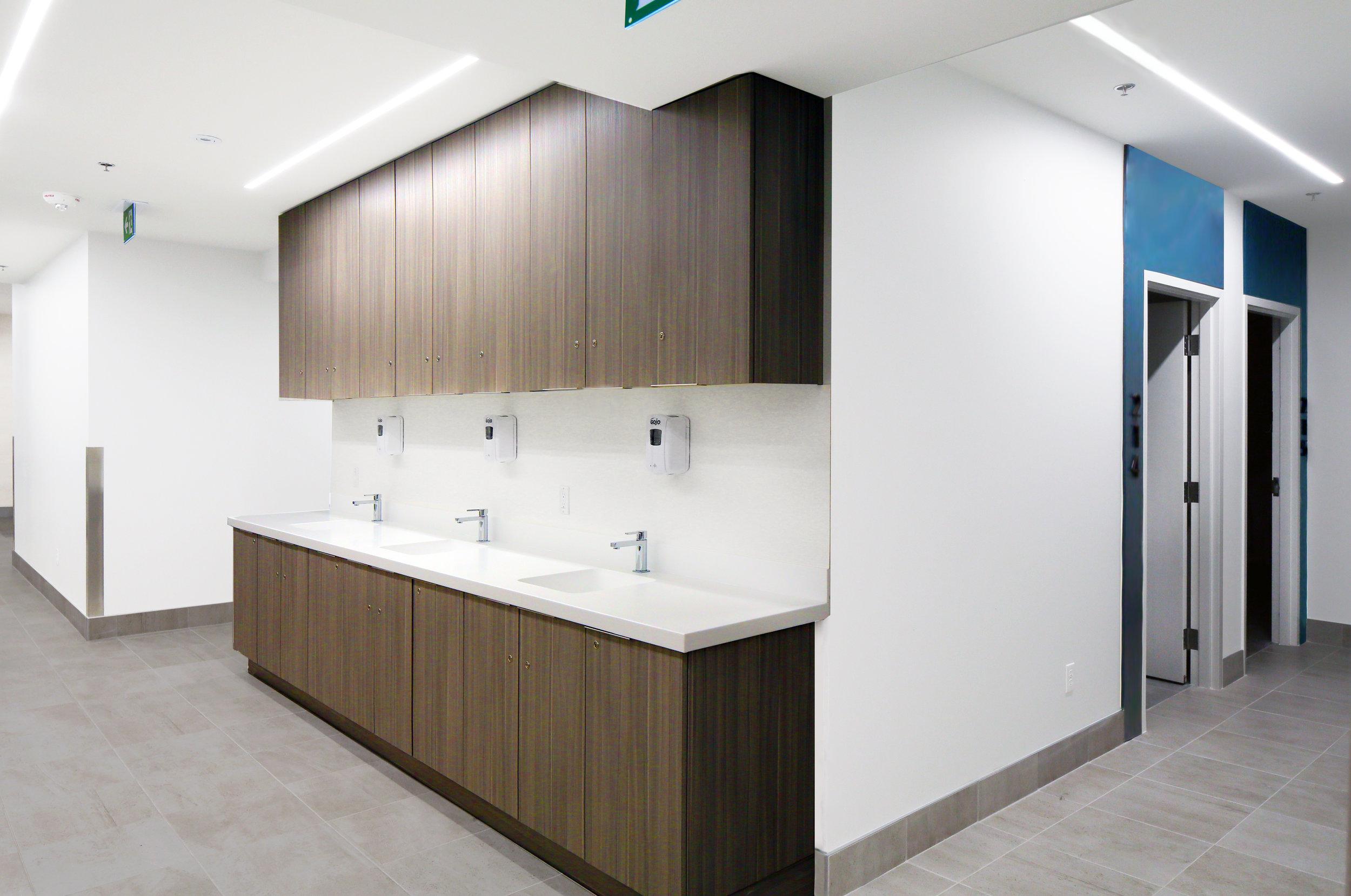 Canada_Toronto_Healthcare_Cardiology_Design_architect_Nurse-station-1.jpg