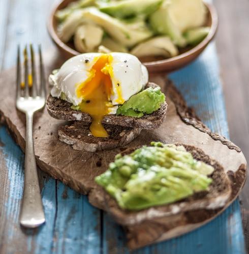 uovo-in-camicia-con-avocado-1.jpg