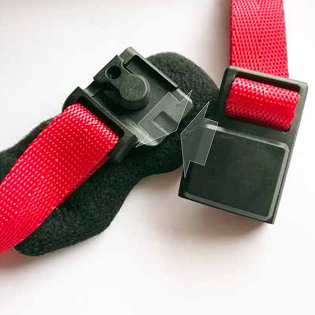 EASY-LOC MAGNETIC BUCKLES - Freetown helmets feature FIDLOC brand magnetic buckles that are so easy to connect they practically fasten themselves with zero pinching or snagging of hair.FEATURES + BENEFITSMagnetic buckle closure that fastens itself on contactPinch free and snag free designIntegrated chin pad prevents buckle chafing and improved comfortFully adjustable strap dividers for a safe, customized fit
