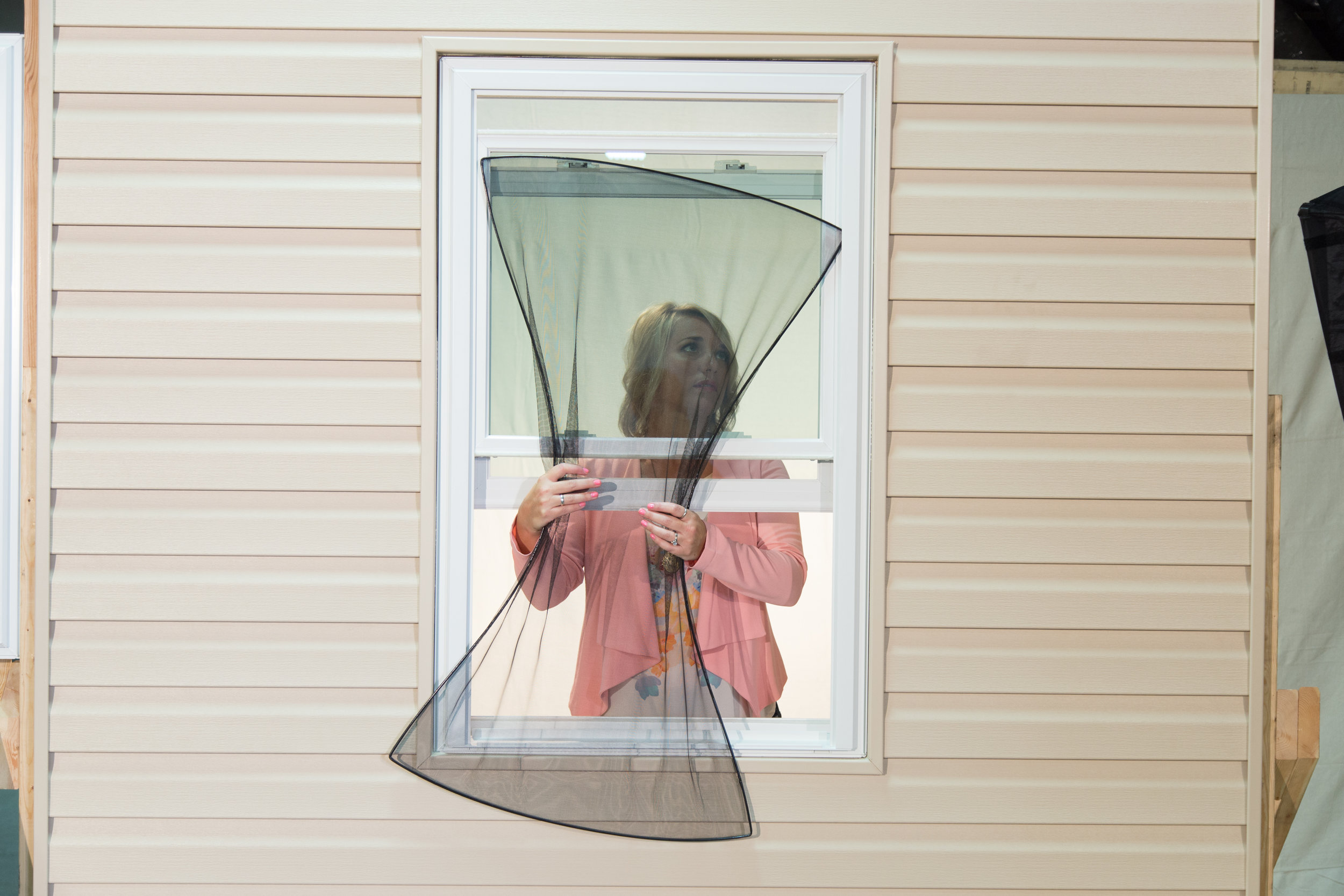 Wallside Windows uses FlexScreen, which is easy to bend, making it simple to install and remove.