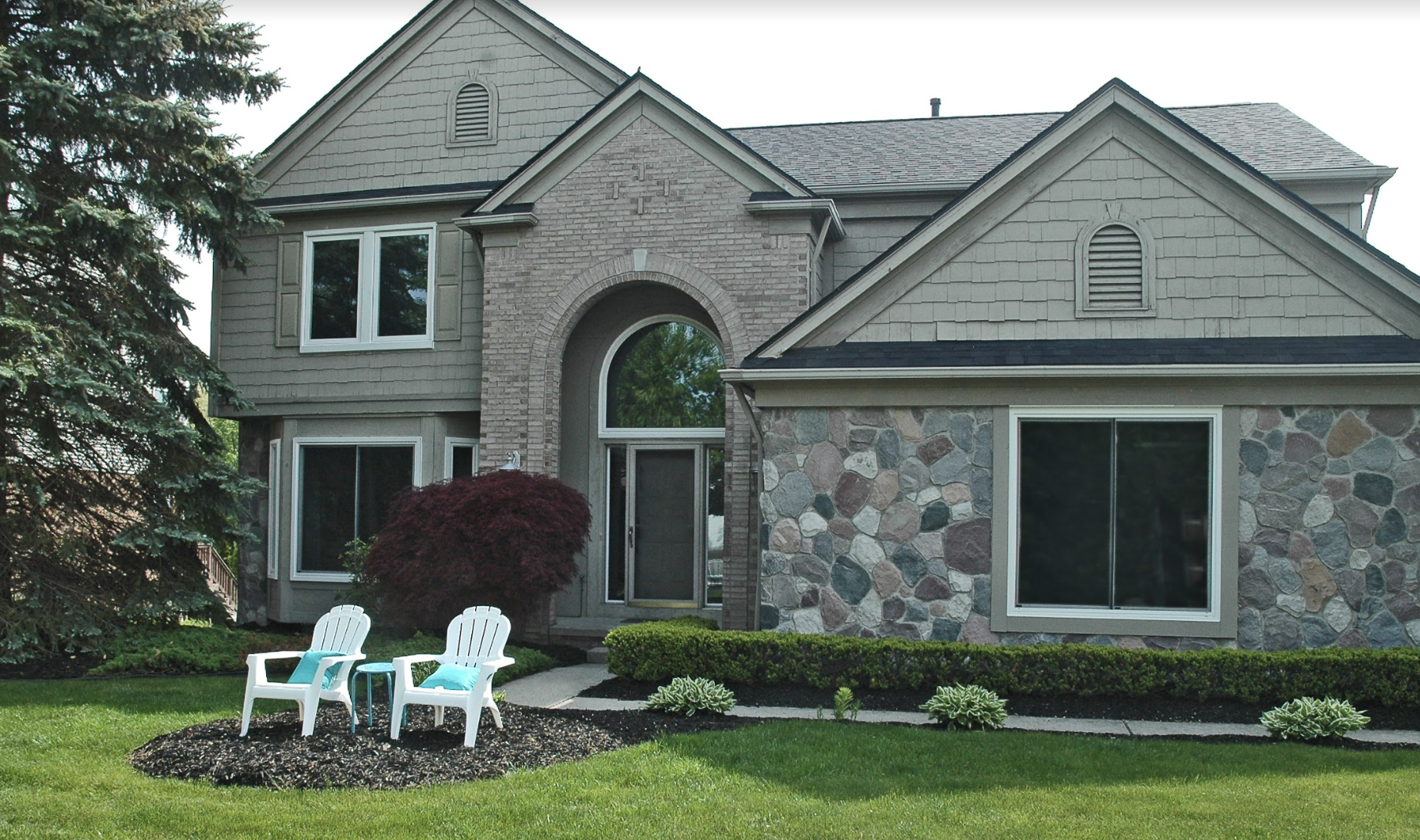Wallside Windows contribute to curb appeal for those looking to sell a home.