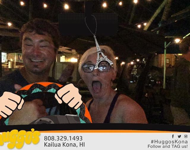 Having the craic with @blakeeddy7 new amigo from Molakai.  HuggosKona #buzzybooth @huggoskona