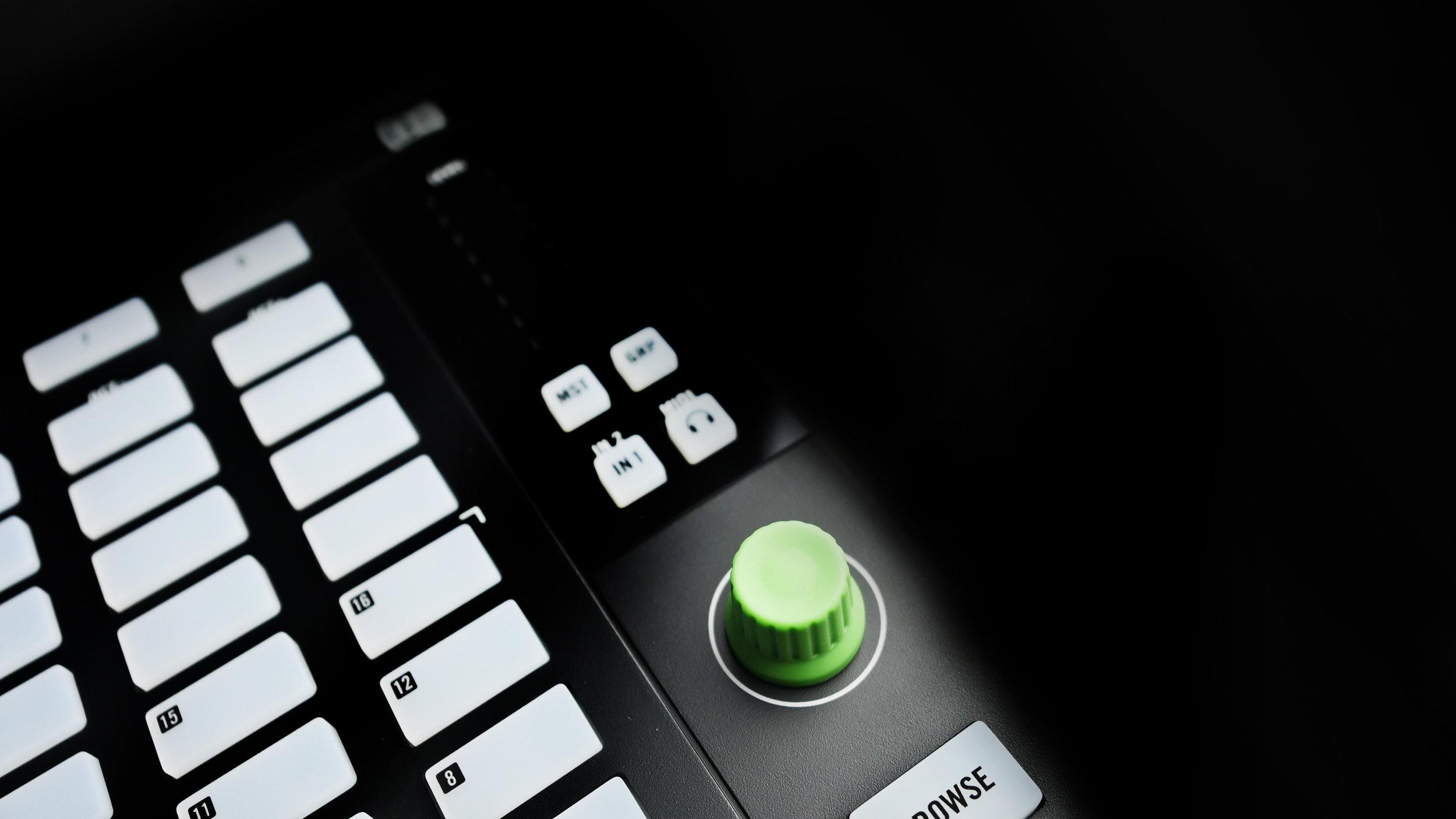 Chroma-Cap-Mashine-Jam.jpg