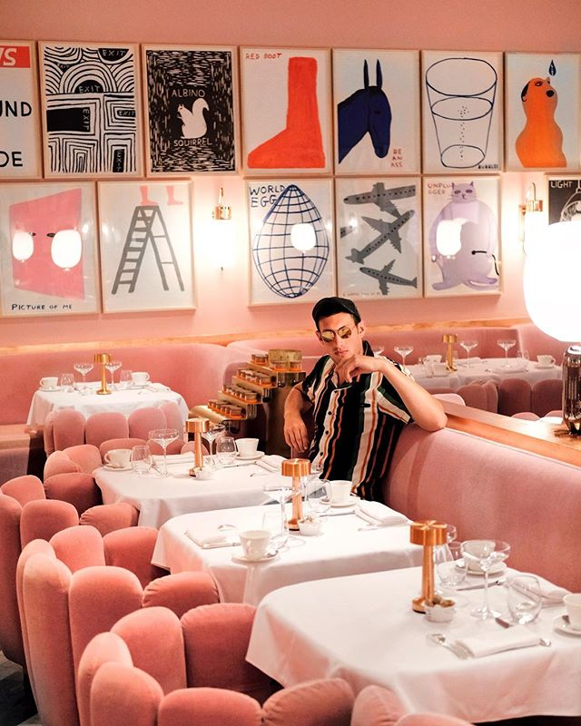 Step into my office... 😂 Being all types of extra at @sketchlondon with @virginatlantic! ❤️😎 #bechoosy #virginatlantic #ad