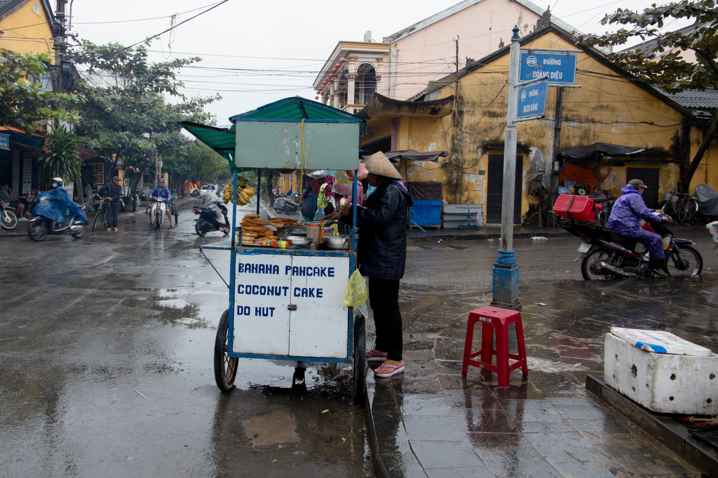 An entrepreneur on the streets in Hoi An Ancient Town, Vietnam.