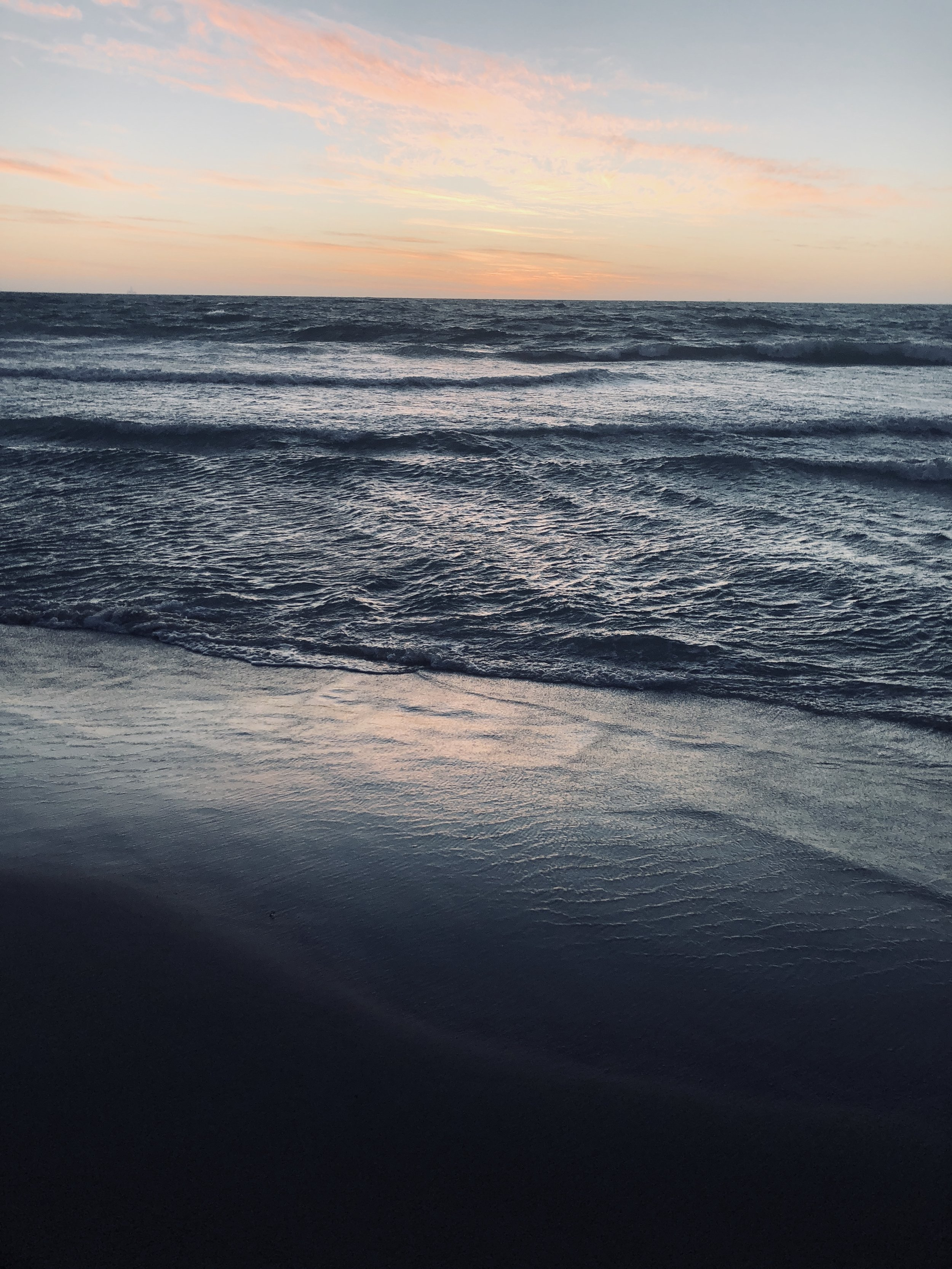 Tangaroa is in essence;the energy that has manifested physically,as the sea. Hana Photography, 2018.