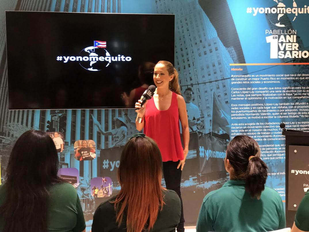 Como parte de la celebración del primer año del movimiento #yonomequito, la comunicadora les dio una charla.