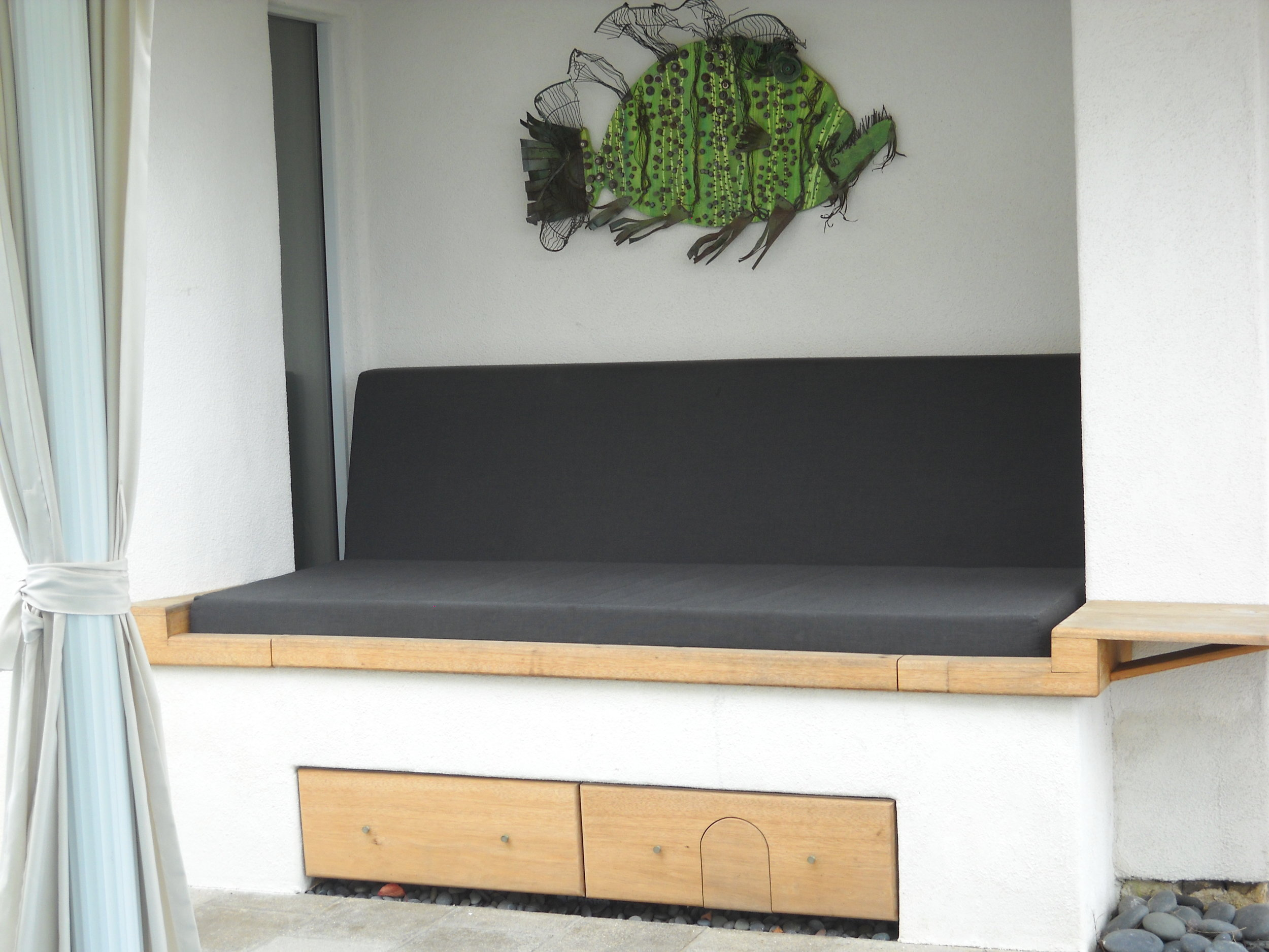 jacuzzi_couch.JPG