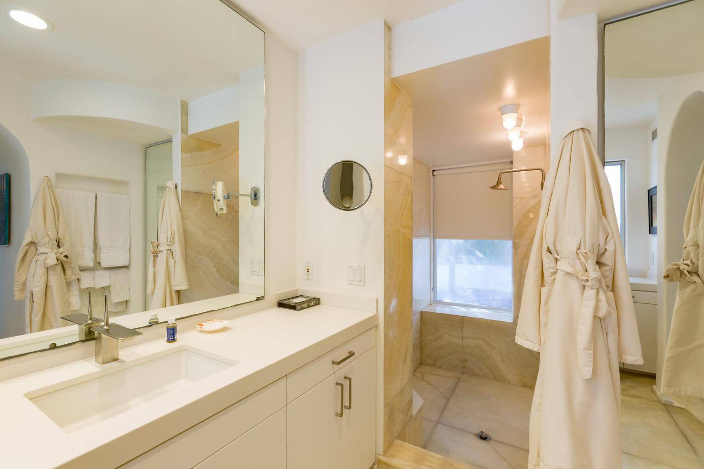 LDN NW Skyeblue bathroom.jpg