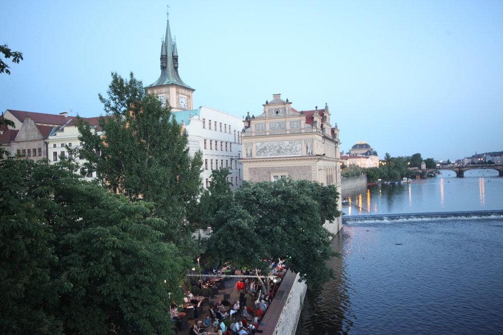Nominanza River Restaurant  ,Smetanovo nábř. 6, 110 00 Praha 1-Staré Město, Czechia