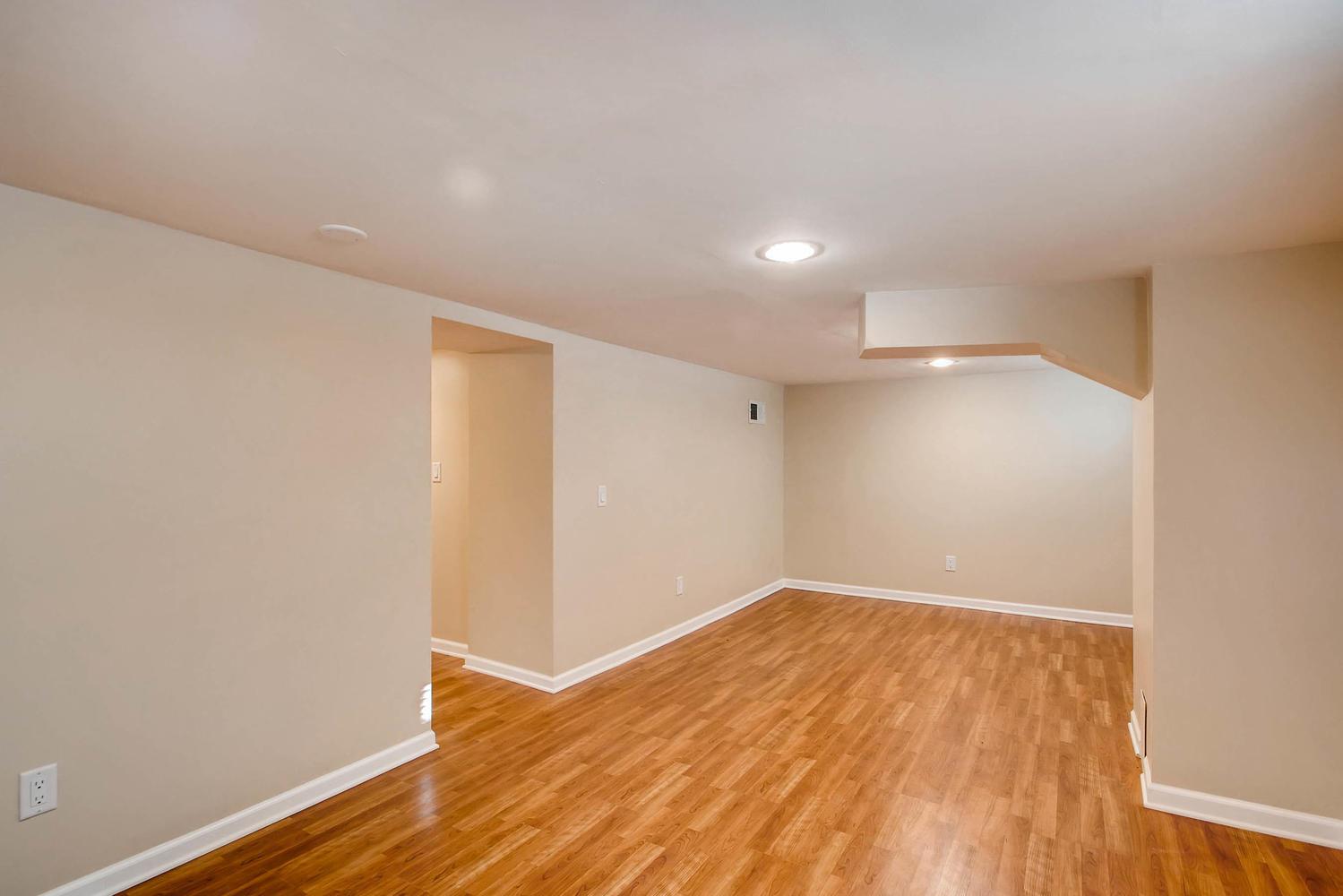 4630 7th St NE Minneapolis MN-large-020-26-Lower Level Family Room-1500x1000-72dpi.jpg