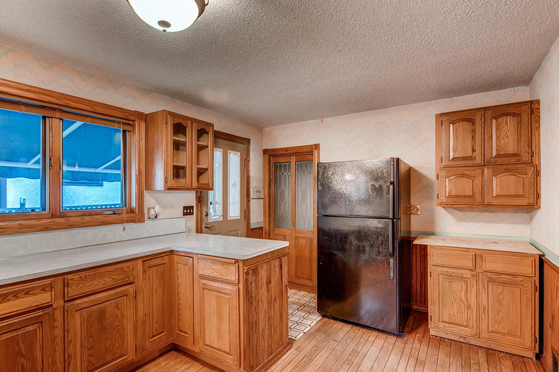 630 5th St NE Minneapolis MN-large-011-3-Kitchen-1500x1000-72dpi.jpg