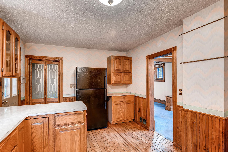 630 5th St NE Minneapolis MN-large-012-27-Kitchen-1500x1000-72dpi.jpg