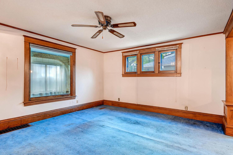 630 5th St NE Minneapolis MN-large-007-16-Living Room-1500x1000-72dpi.jpg