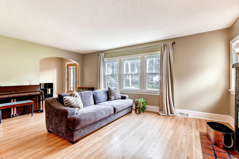 3138 Lincoln St NE Minneapolis-large-006-4-Living Room-1500x1000-72dpi.jpg