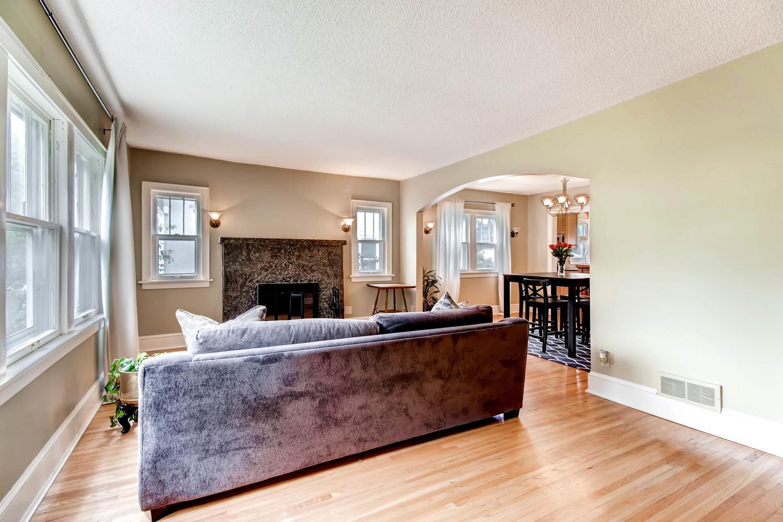 3138 Lincoln St NE Minneapolis-large-005-10-Living Room-1500x1000-72dpi.jpg