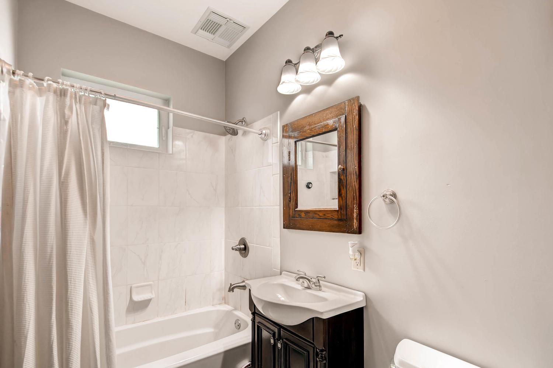 1121 Washington St NE-large-012-22-Bathroom-1500x1000-72dpi.jpg