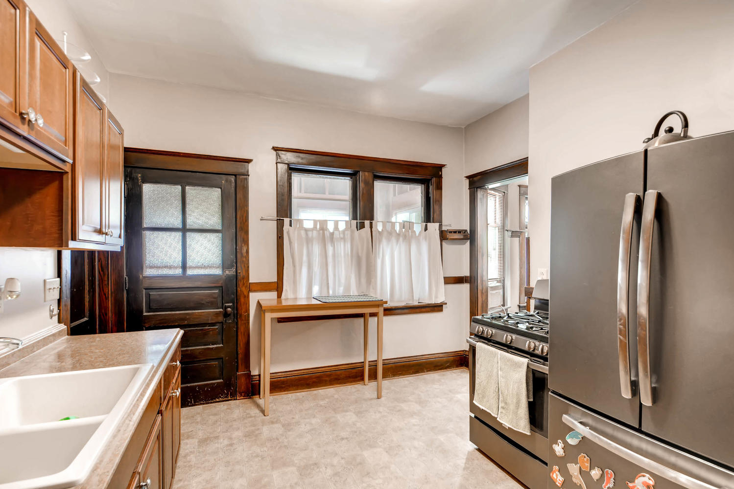 1121 Washington St NE-large-007-7-Kitchen-1500x1000-72dpi.jpg