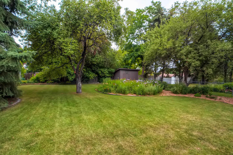 610 Main St NE Minneapolis MN-large-027-18-Back Yard-1500x1000-72dpi.jpg