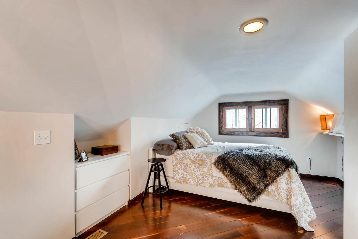 2622 Cleveland St NE-large-021-11-2nd Floor Bedroom-1500x1000-72dpi.jpg