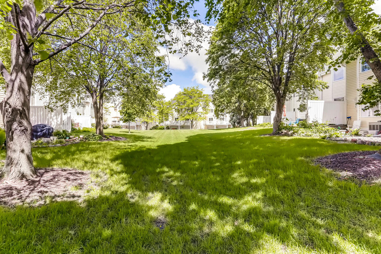 205 University Ave NE-large-025-25-Back Yard-1500x1000-72dpi.jpg