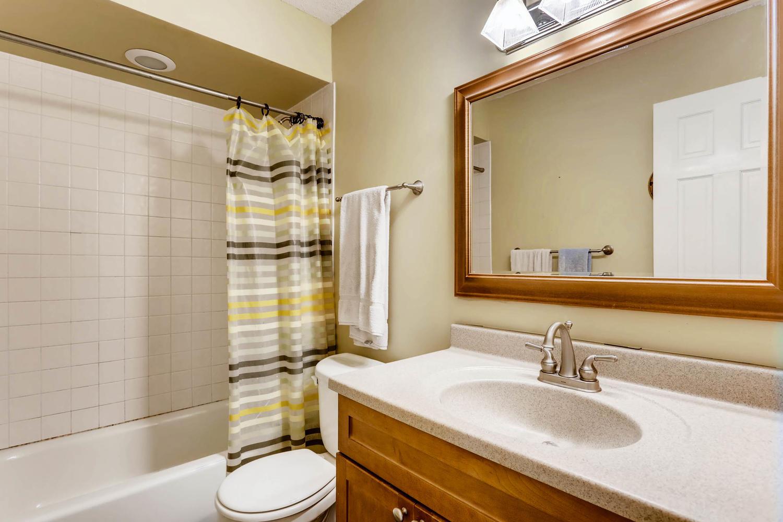 205 University Ave NE-large-018-26-2nd Floor Master Bathroom-1500x1000-72dpi.jpg