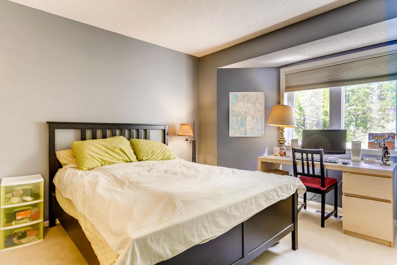 205 University Ave NE-large-015-11-2nd Floor Master Bedroom-1500x1000-72dpi.jpg