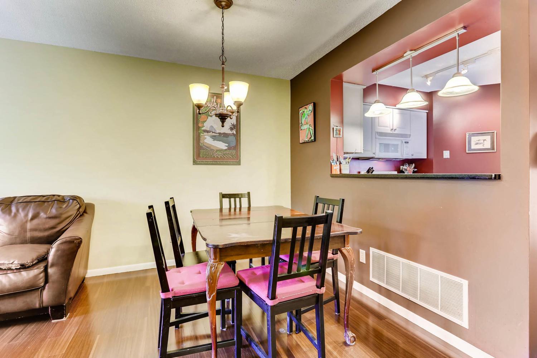205 University Ave NE-large-009-5-Dining Room-1500x1000-72dpi.jpg