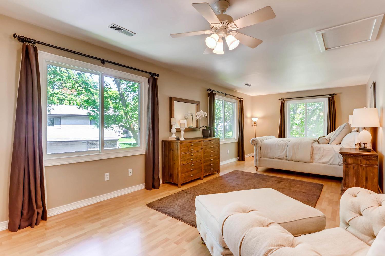 5701 Hyland Courts Minneapolis-large-016-5-2nd Floor Master Bedroom-1500x1000-72dpi.jpg