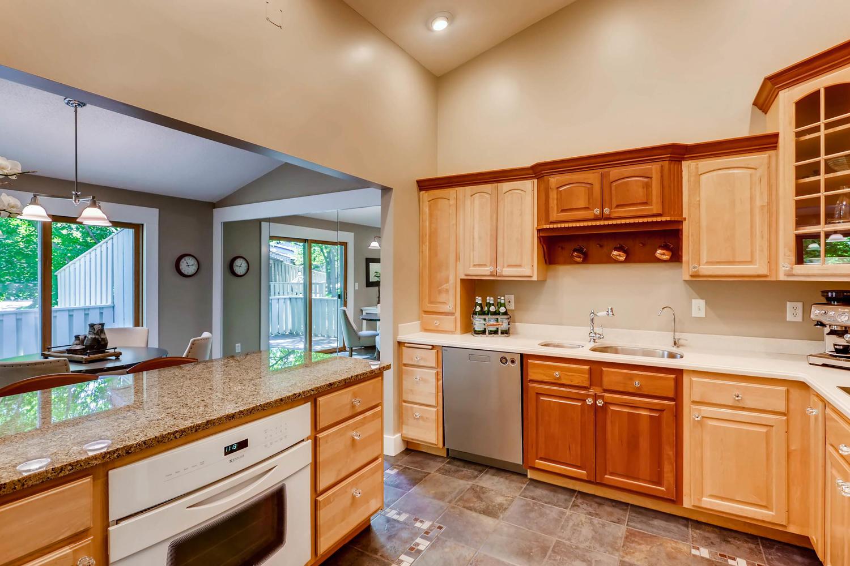 5701 Hyland Courts Minneapolis-large-012-26-2nd Floor Kitchen-1500x1000-72dpi.jpg